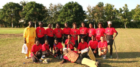 LA NAZIONALE FEMMINILE  DI HOCKEY SU PRATO DELLA TANZANIA! TANZANIA WOMEN NATIONAL TEAM OF FIELD HOCKEY!