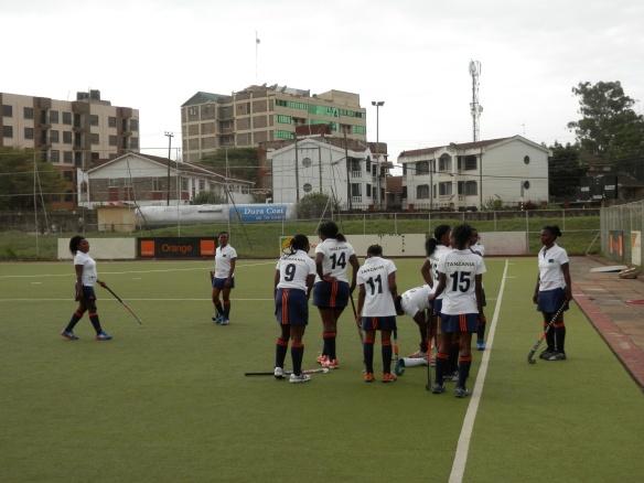 il pre-partita contro la squadra Sliders di Nairobi