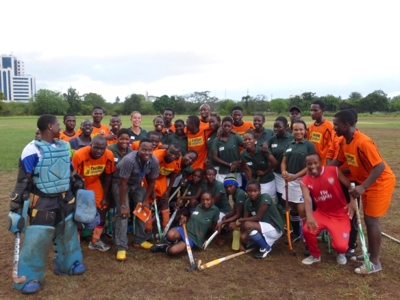 The last friendly match before leaving to Zimbabwe: Twende Hockey Club against University Team! Last saturday 15/11/2014 at the University of Dar Es Salaam